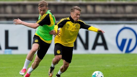 Borussia Dortmund leiht Felix Passlack (r.) an Fortuna Sittard aus.
