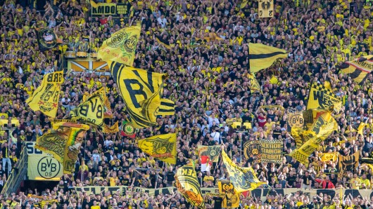 Tausenden Fans von Borussia Dortmund wurden die Sonderzug-Ausfälle kurzfristig mitgeteilt.