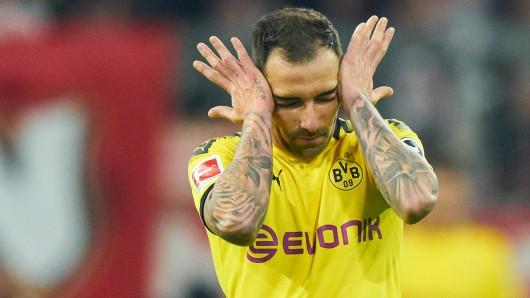 Borussia Dortmund muss vorerst auf Paco Alcacer verzichten.