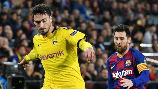Borussia Dortmund muss am Dienstagabend dem FC Barcelona die Daumen drücken.