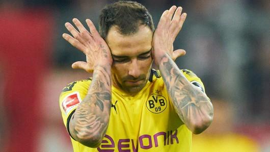 Verlässt Paco Alcacer Borussia Dortmund und die Bundesliga?