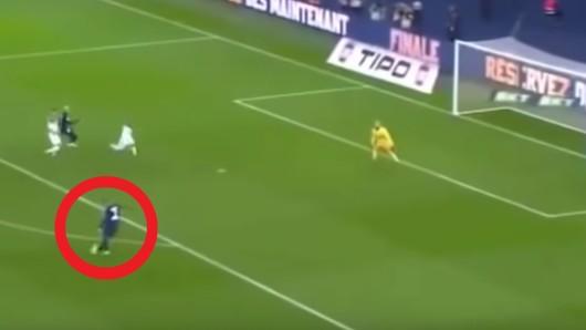 Vor dem Spiel gegen Borussia Dortmund steht Kylian Mbappé bei PSG massiv in der Kritik - wegen Szenen wie dieser.