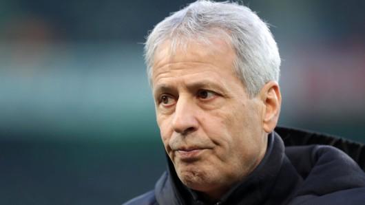 Nach der Niederlage bei PSG ist BVB-Trainer Lucien Favre bedient.