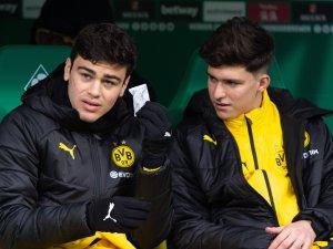 Spielt Leonardo Balerdi (re.) in der kommenden Saison noch bei Giovanni Reyna und Borussia Dortmund?