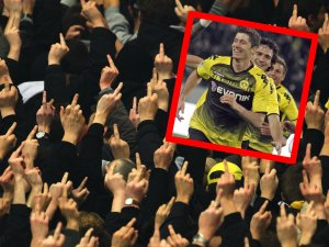 Die Fans von Borussia Dortmund sind stinksauer. Lewandowski, Hummels und Götze schnappten die Bayern ihnen weg – und jetzt haut Boss Rummenigge diesen Spruch raus.