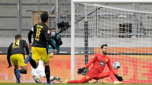 Borussia Dortmund kassiert die erste Niederlage gegen den FC Augsburg.