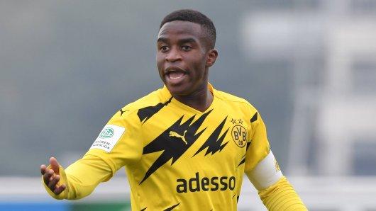 Youssoufa Moukoko trifft für den BVB weiter wie am Fließband – jetzt zeigt er seine wahre Größe!