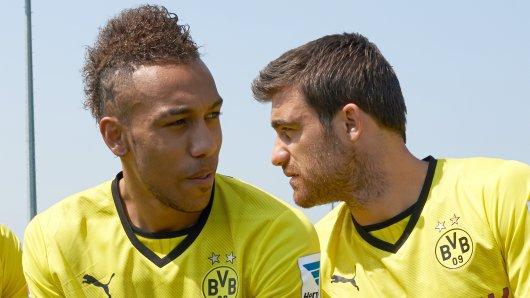 Sokratis (r.), Aubameyang (m.) und Mkhitaryan kamen 2013 im Dreierpack zu Borussia Dortmund, spielten allesamt später für Arsenal. Ersterer nun nicht mehr.