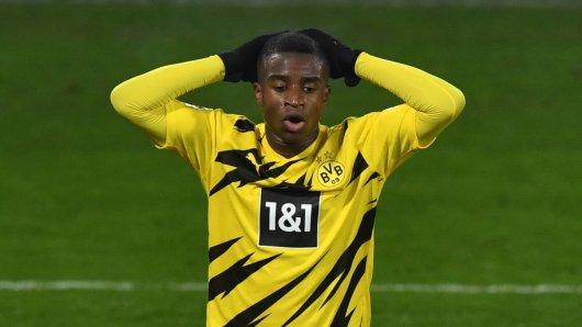 Droht BVB-Juwel Youssoufa Moukoko (16) das Saison-Aus?