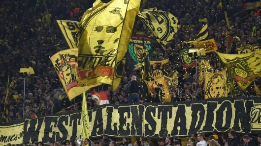 Fans von Borussia Dortmund äußern deutliche Kritik.