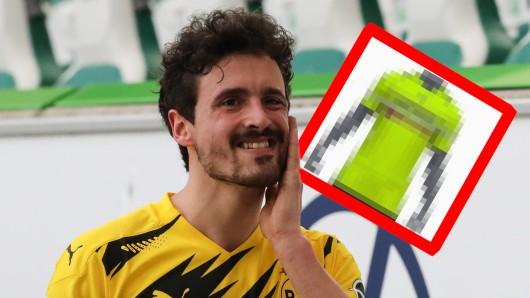 Borussia Dortmunds Pokal-Trikot ist enthüllt worden. Viele Dortmund-Fans können es nicht fassen.