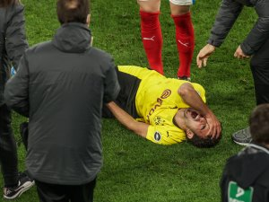 Mateu Morey verletzte sich bei Borussia Dortmunds Pokalfinal-Einzug schwer.
