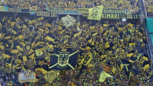 Borussia Dortmund will mit einer riesigen Kein-Fan-Choreo das Fehlen seiner Anhänger ein wenig kompensieren.