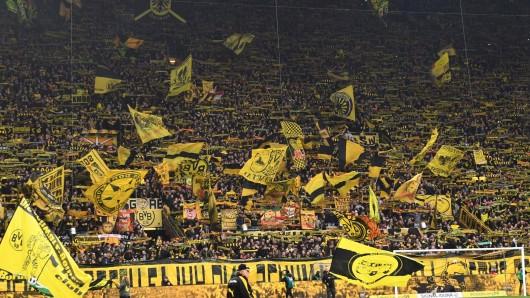 Bei Borussia Dortmund richtet ein Fan-Bündnis seine Forderungen an die Politik.
