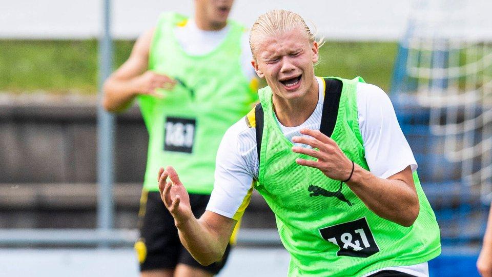 Nachdem der BVB auf Sozial Media einen Fehler machte, kommentierte auch Stürmer Erling Haaland.