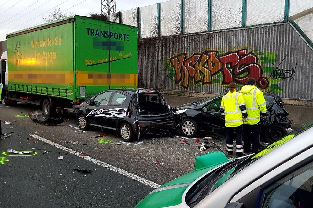 Unfalldrama auf der A2 bei Dortmund: Lkw-Fahrer übersieht Stauende ...