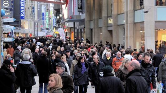 Die Stadt Dortmund hat die Termine für die verkaufsoffenen Sonntage bekanntgegeben. An neun Terminen können die Dortmunder in ihrer Stadt shoppen. (Archivbild)