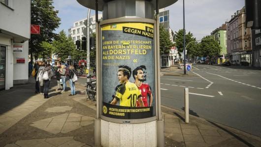 Nun steht fest, wer hinter den Anti-Nazi-Plakaten in Dortmund steckt.