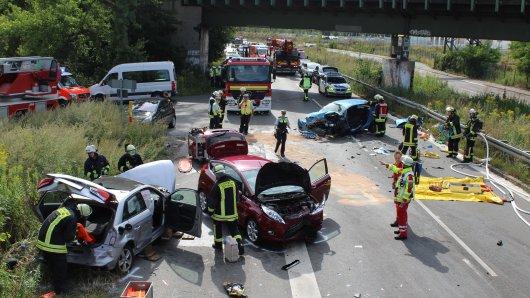 Dortmund in NRW: Frau stirbt bei schwerem Unfall.