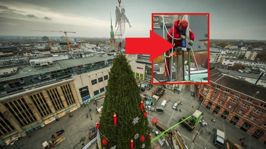 In Dortmund sorgte ein Teil der Arbeitskleidung des Gerüstbauers an der Spitze der Tanne des Dortmunder Weihnachtsmarkts für Entrüstung.