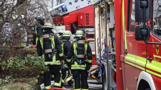Am Morgen wurde die Feuerwehr Dortmund über einen Brand in einem Familienhaus alarmiert. (Sybolbild)