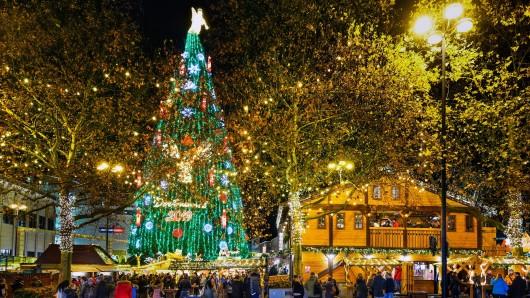 Ein Bild aus der Vor-Corona-Ära: Der Dortmunder Weihnachtsmarkt 2019.