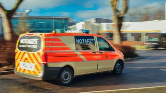 Dortmund: Auf dem Weg zu einem Einsatz wurde der Notarztwagen in einen Autounfall verwickelt.