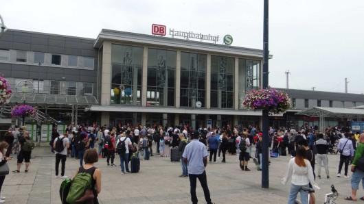 Evakuierung am Dortmunder Hauptbahnhof.