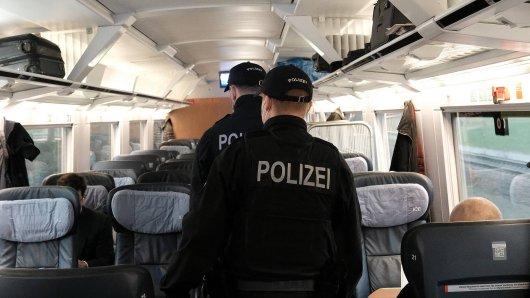 Bei der Durchsuchung eines Mannes in einem Zug am Dortmunder Bahnhof wurde die Polizei fündig. (Symbolbild)