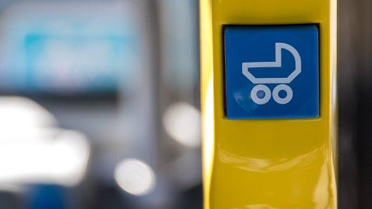 In Dortmund sollen Glassplitter in einen Kinderwagen gefallen sein. (Symbolbild)