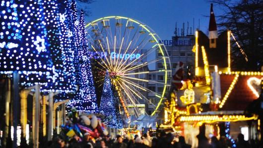 Der Duisburger Weihnachtsmarkt in der Innenstadt geht bis zum 30. Dezember.