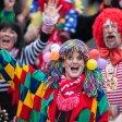 Der Karnevalsumzug in Duisburg-Serm hat am Sonntag viele Besucher angezogen.
