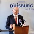 Sören Link heute bei der Pressekonferenz im Duisburger Rathaus: Was halten die Facebook-Nutzer von seiner früheren erneuten OB-Kandidatur?