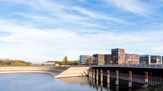 Im Duisburger Innenhafen hat sich die 19-jährige Schülerin mit ihrem letzten Opfer getroffen. Ein 49-Jähriger tappte in die Sexfalle.