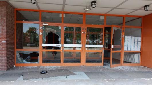 Die Anne-Frank-Schule in Duisburg-Röttgersbach fällt seit letztem Jahr Randalierern zum Opfer.