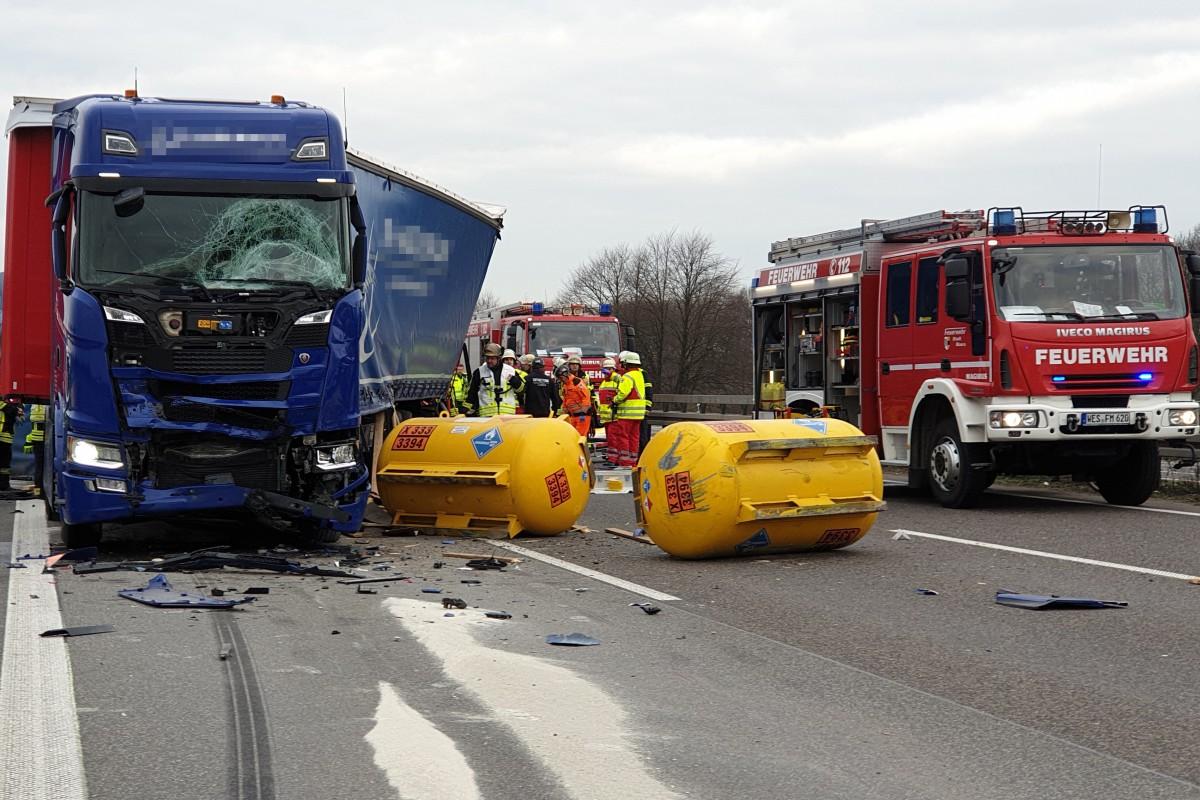 schwerer unfall duisburg heute