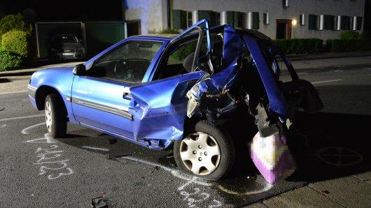 Einer der Raser erwischte den Renault der 43-Jährigen, die lebensgefährlich verletzt wurde.