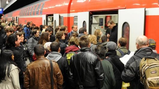 Die Deutsche Bahn richtet am Wochenende eine Teilsperrung auf der hochfrquentierten Strecke Duisburg – Düsseldorf ein.
