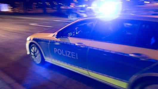 Ein 25-Jähriger lieferte sich am Montag auf der A3 und A40 eine wilde Verfolungsjagd mit der Polizei. (Symbolfoto)
