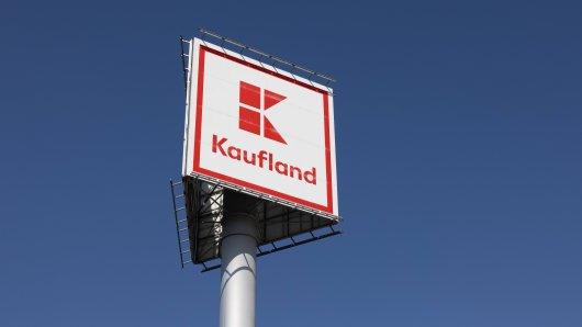 Ein Kunde von Kaufland aus Duisburg regte sich über ein Schild auf.