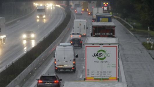 Die A52 Richtung Essen ist zurzeit wegen eines Feuerwehreinsatzes gesperrt. (Symbolbild)