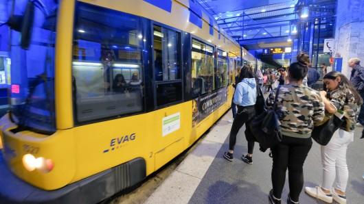 Seit dem 01. Januar 2019 sind die Tickets bei der Ruhrbahn teurer. (Archivbild)