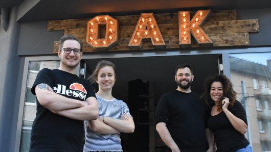 """Patrick Winter (2.v.r.) und sein Team schafft mit """"The Oak"""" ein neues Szene-Restaurant in Essen."""