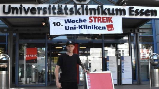 Steven Böhmer (25) ist Pfleger an der Dialysestation der Uniklinik Essen.
