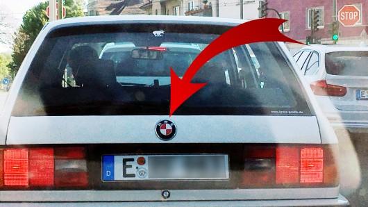 Der Essener René Flink hat das Logo seines BMW in eine Hommage an Rot-Weiss Essen umgearbeitet.