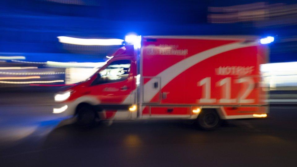 Essen Schlimmer Verkehrsunfall 18 Jähriger Schwerverletzt