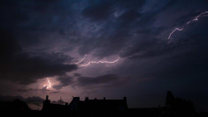 Wetter in NRW: Massiver Blitz erschüttert Essen - derwesten.de
