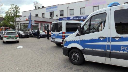 Razzia in Essen: Großaufgebot der Stadt macht KFZ-Betrieb in Altenessen dicht