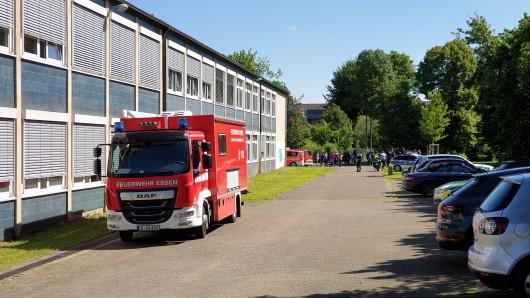 In einer Hauptschule in Essen hat es Alarm wegen Reizgas gegeben.