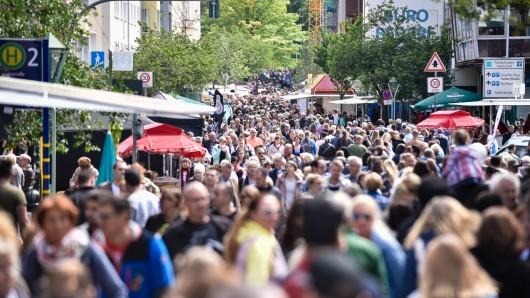 Auf dem Rü-Fest waren Tausende Besucher. Bis auf eine Massenschlägerei war alles friedlich.
